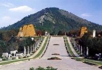 Qianling Mausoleum, Qianling Mausoleum Guide, Qianling Mausoleum Travel Tips.